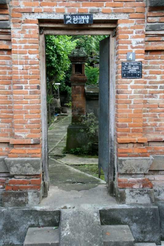 Angkul Angkul Batu Bata Rumah Bali