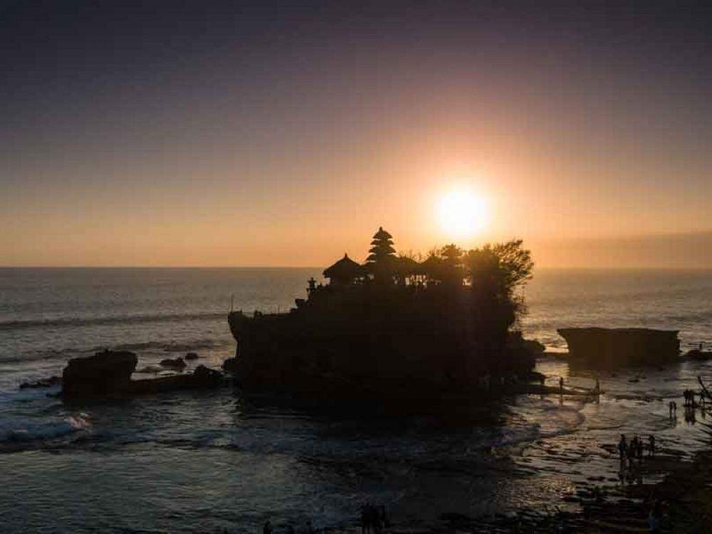 Bali Tanah Lot Silhouette