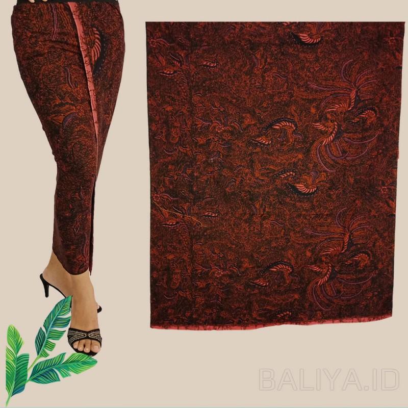 Kamen batik klasik warna merah