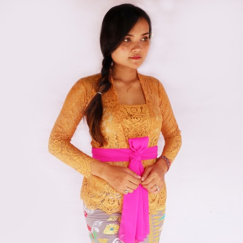 Kebaya Jadi Khas Bali Model Bet Warna Coral