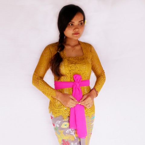 Kebaya Jadi Khas Bali Model Bet Warna Emas