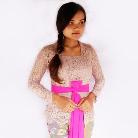 Kebaya Jadi Khas Bali Model Bet Warna Plum