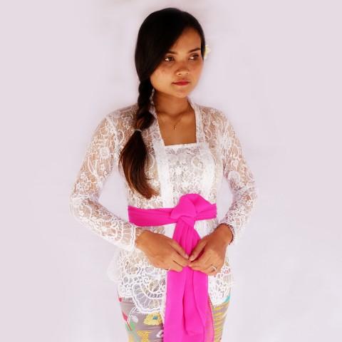 Kebaya Jadi Khas Bali Model Bet Warna Putih