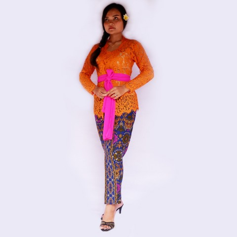Setelan Kebaya Batik Modern
