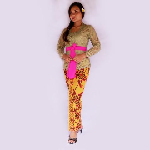Setelan Kebaya Batik
