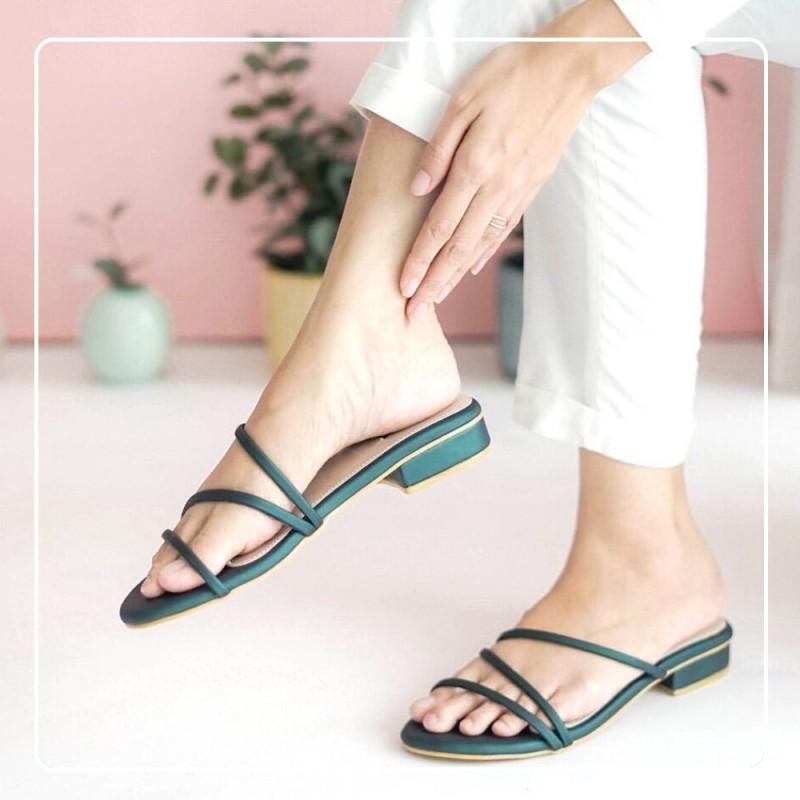 Sandal Flat Wanita Tali