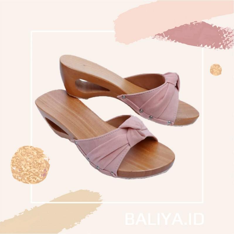 Sandal Tradisional Wanita