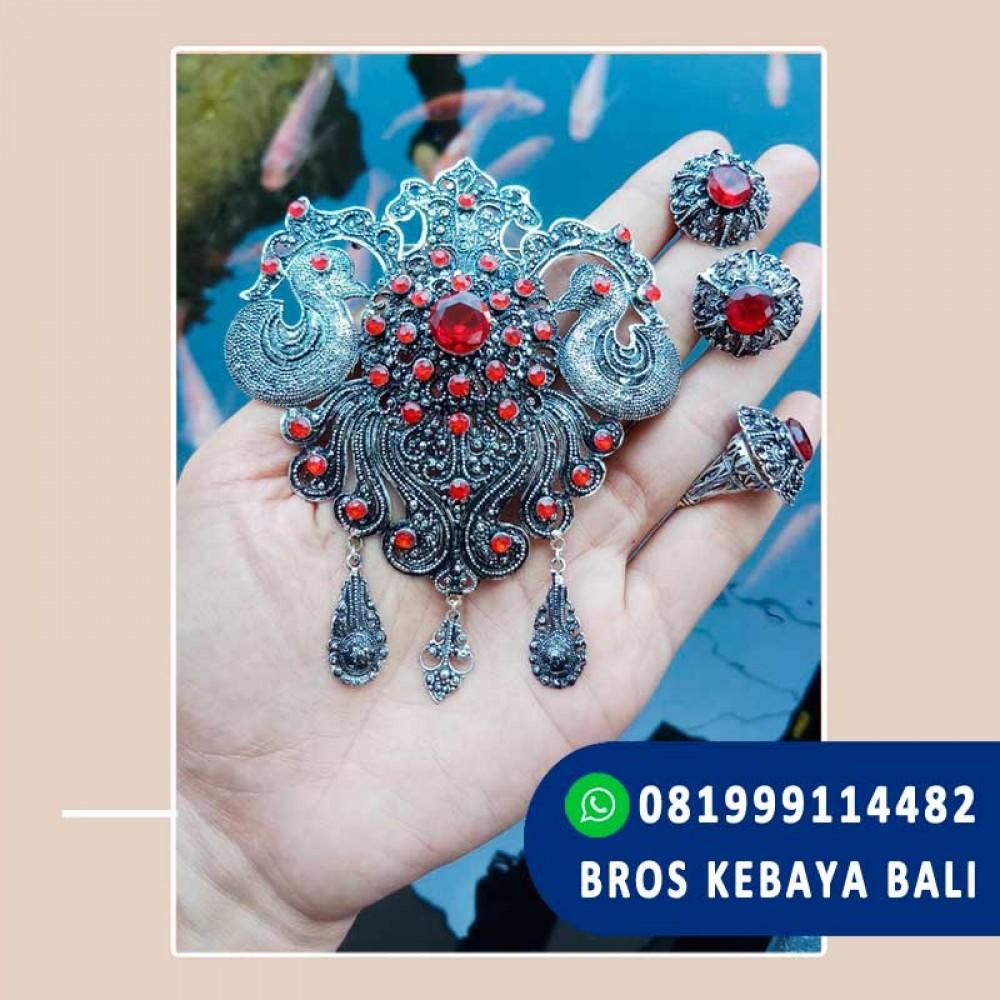Model Bross Kebaya Bali