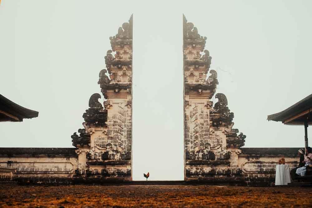 Reach the Gate of Heaven in Lempuyang Temple