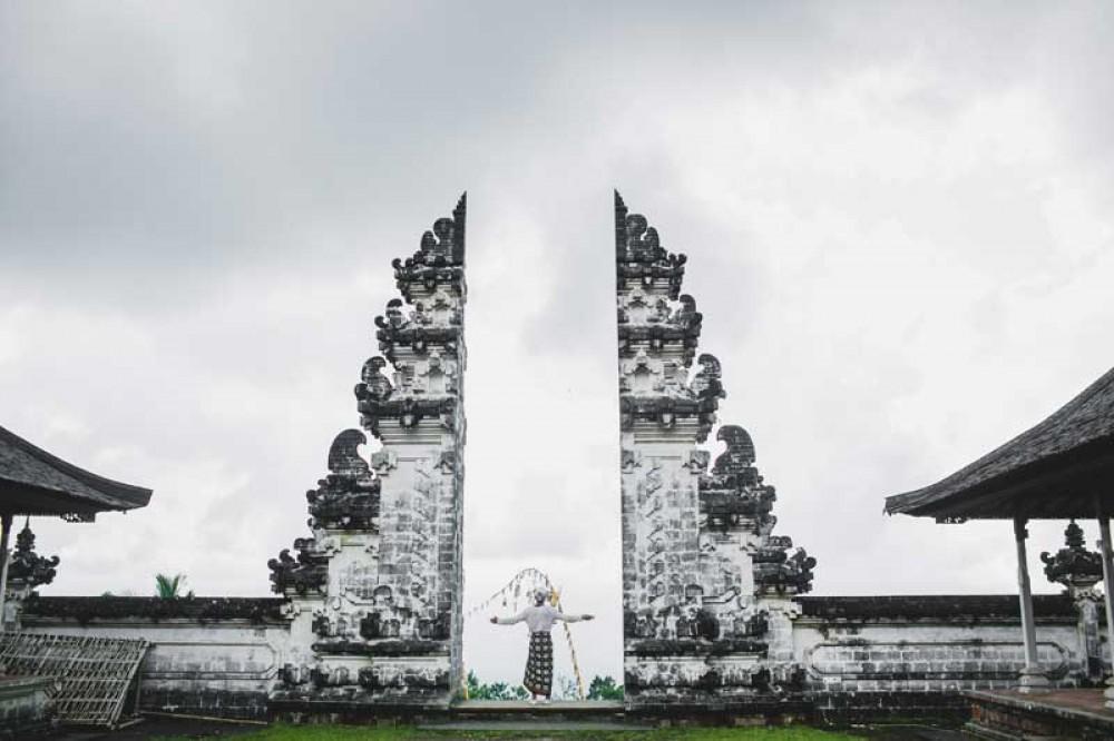 Green Natural Scenery Surrounds Lempuyang Temple