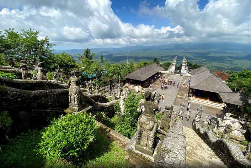 Lempuyang Hill Temple and Spectacular View of Agung Mount