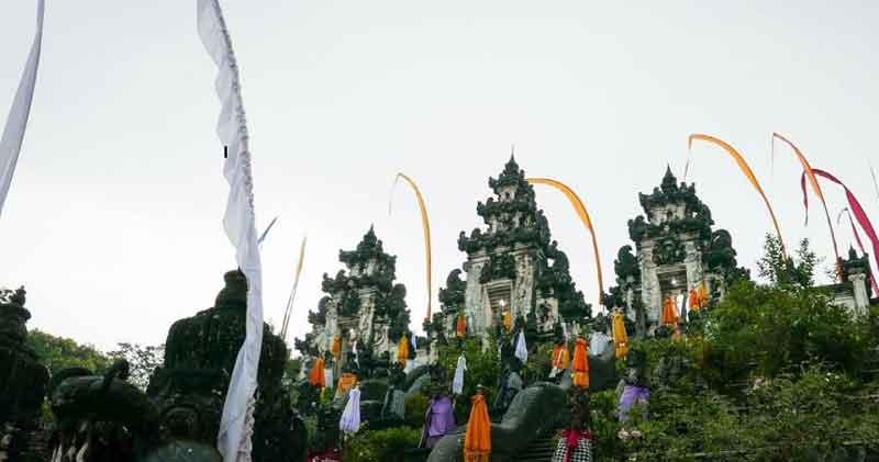 Special Holiday in Lempuyang Luhur Temple