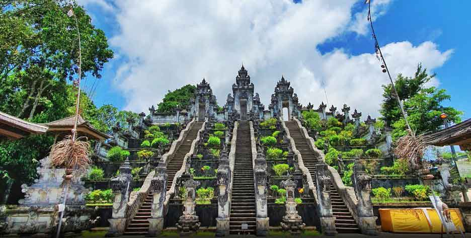 Where to Stay Near Lempuyang Temple