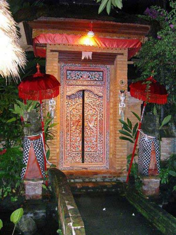 Angkul Angkul Rumah Bali Batu Bata