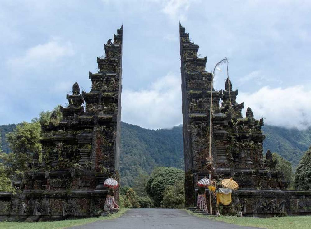Classical Balinese Gateway