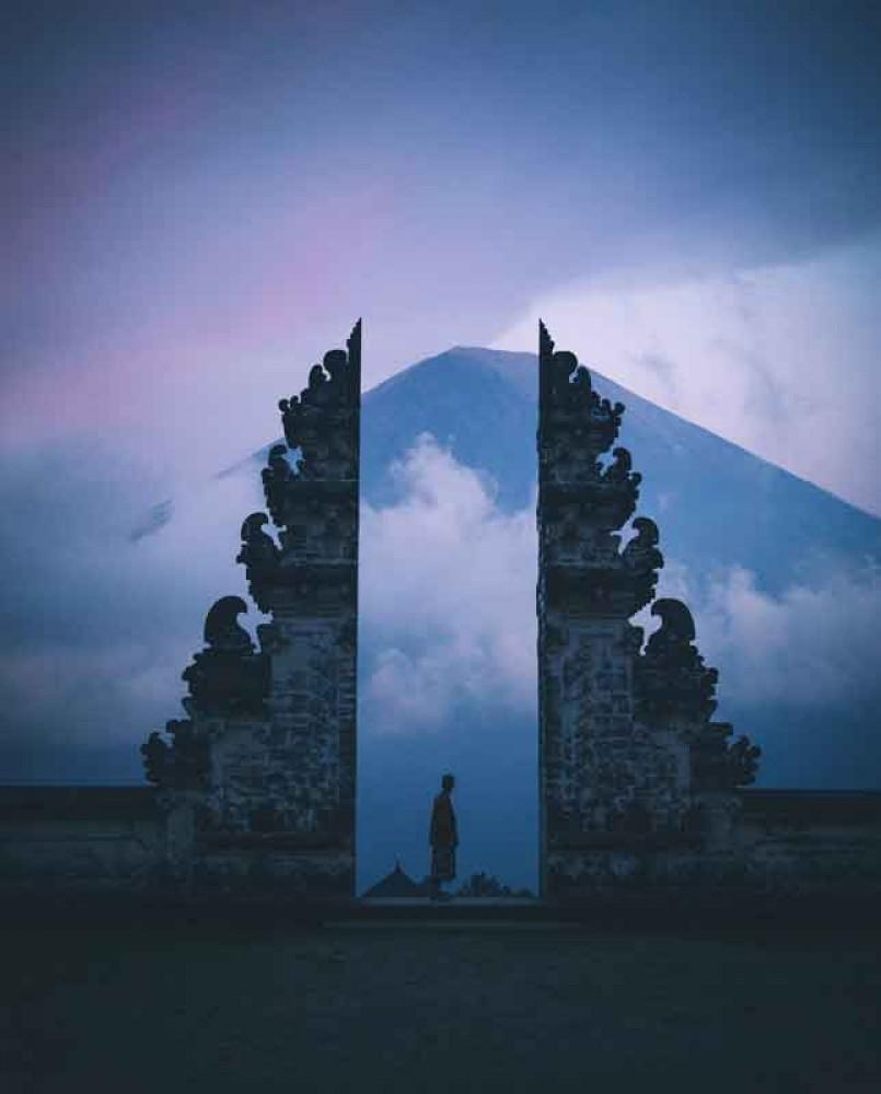 Lempuyang Gate with Mount Agung Backdrop