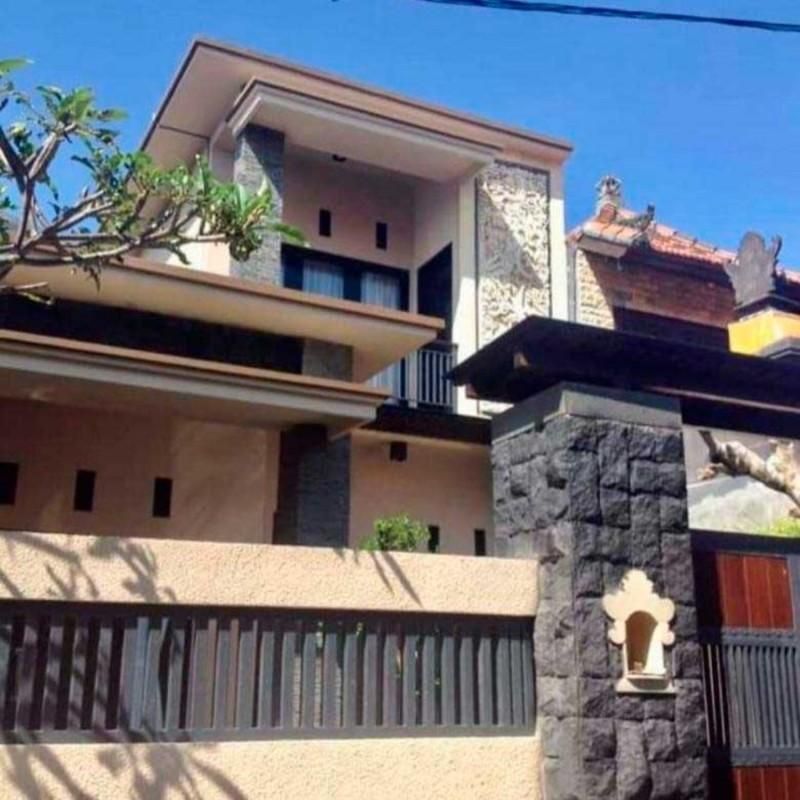 Rumah Bergaya Bali Simple