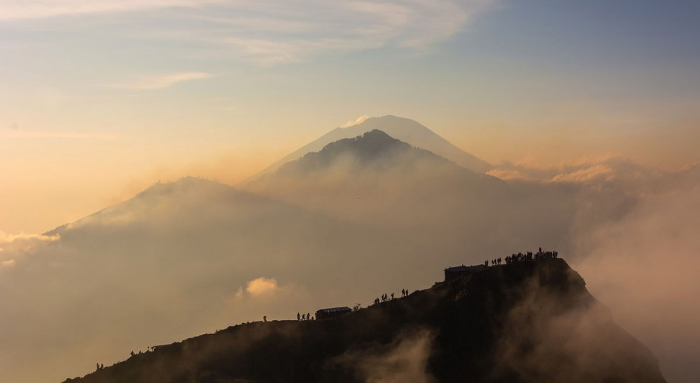 This is Best Time to Trek Mount Batur (Daily and Monthly)