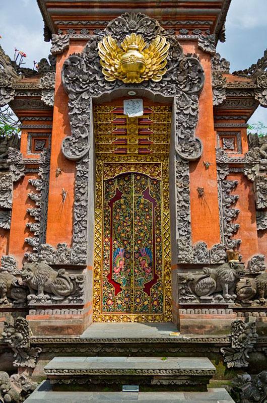 Angkul Angkul Style Bali Batu Bata Dengan Ukiran Batu Alam