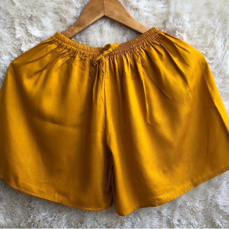 Celana pendek polos