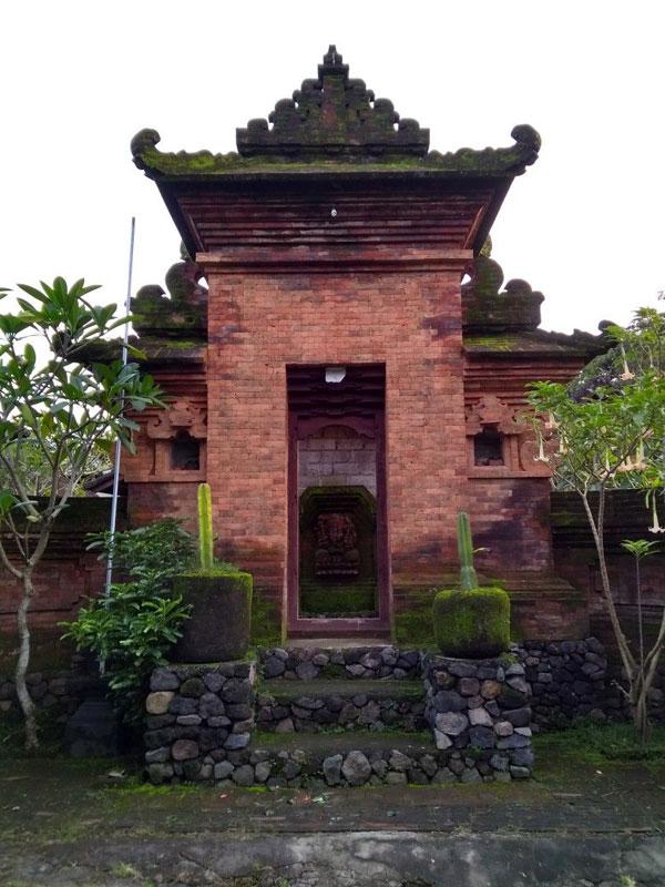 Angkul Angkul Bali Batu Bata