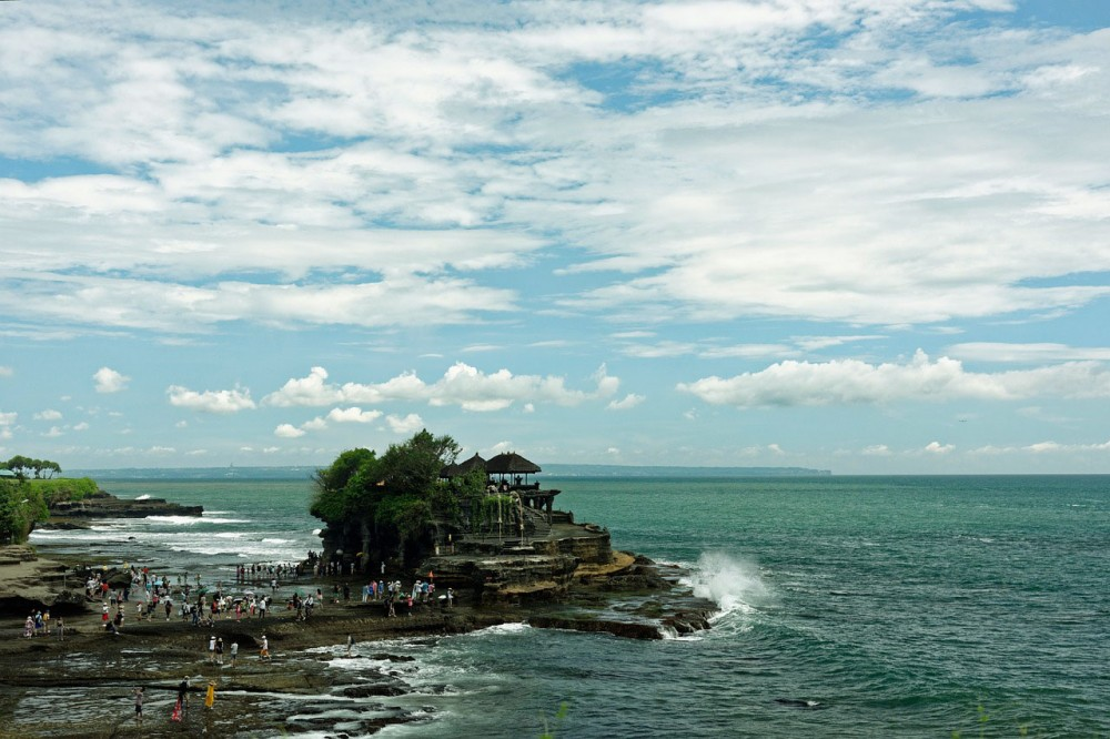 3 Unique Facts about High Tide Time at Tanah Lot Temple