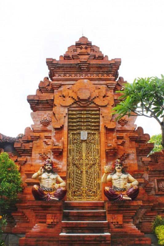 Angkul Angkul Batu Bata Ekspos