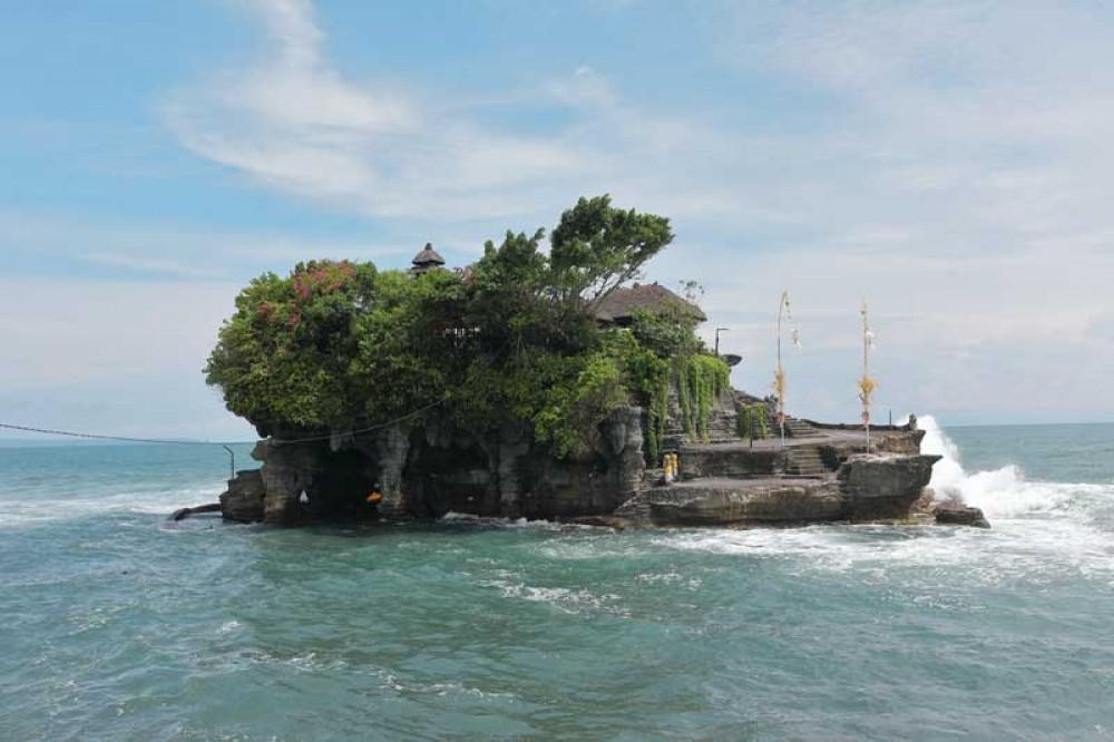 Tanah Lot Temple like A Small Island in the Sea