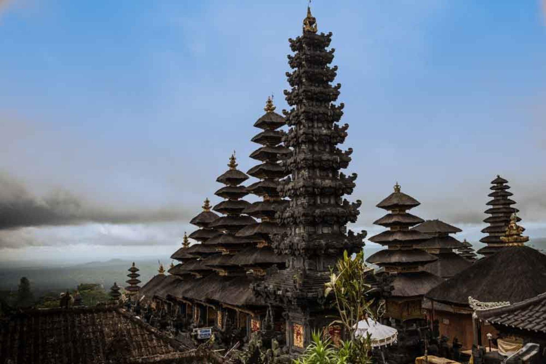 4 Fakta Yang Harus Anda Ketahui Tentang Atap Meru Di Bali