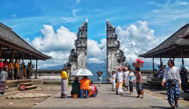 Harga Tiket Masuk Ke Objek Wisata Gerbang Surga Lempuyang