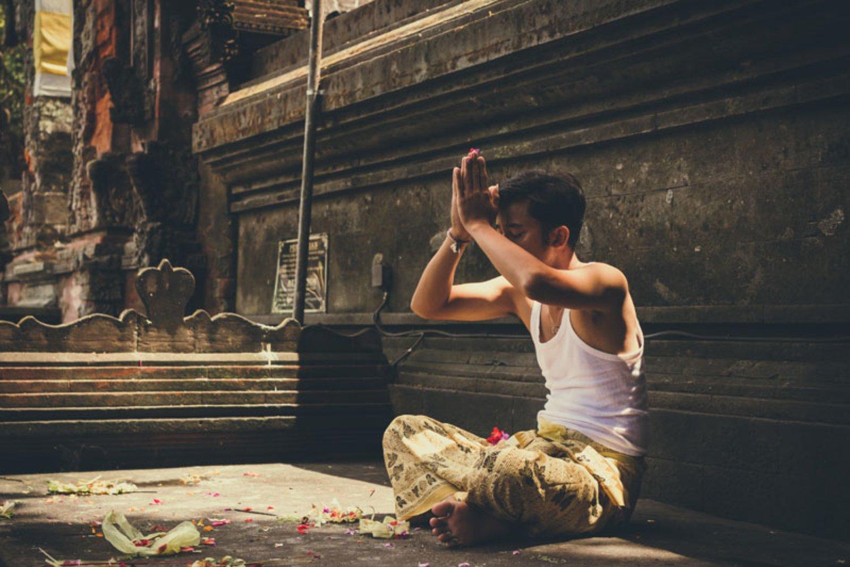 Banten Otonan Bali Lengkap Dengan Prosesi Dan Doa-Doanya