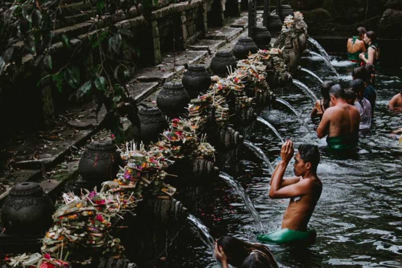 Pura Tirta Empul, Tempat Melakukan Ritual Pembersihan Diri di Bali