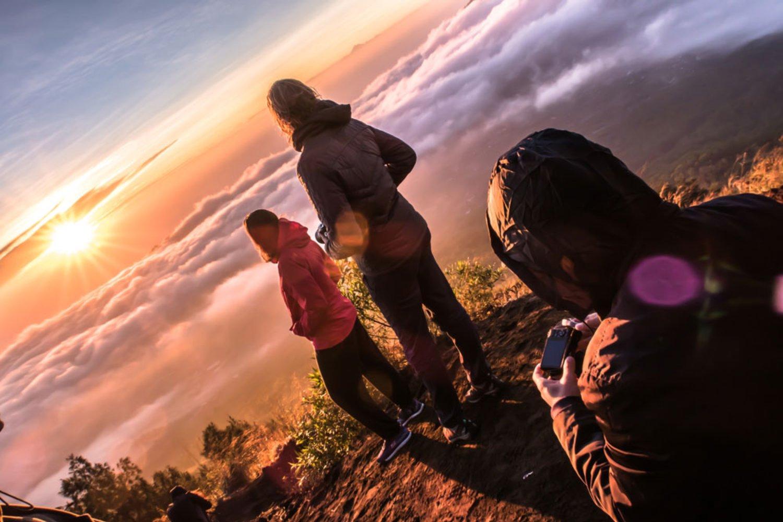 3 Etika Dalam Memberikan Uang Tip Untuk Tour Guide di Bali