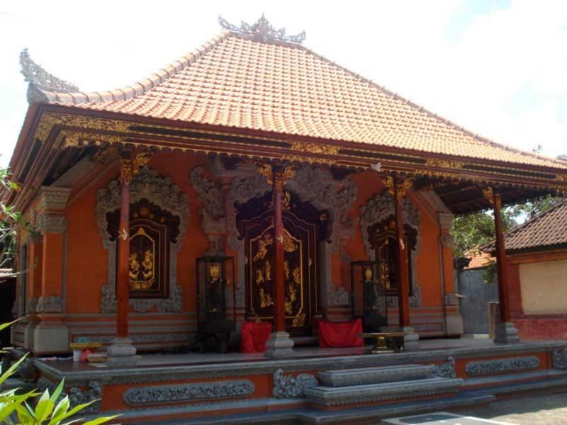 Bagian Kaki Rumah Bali