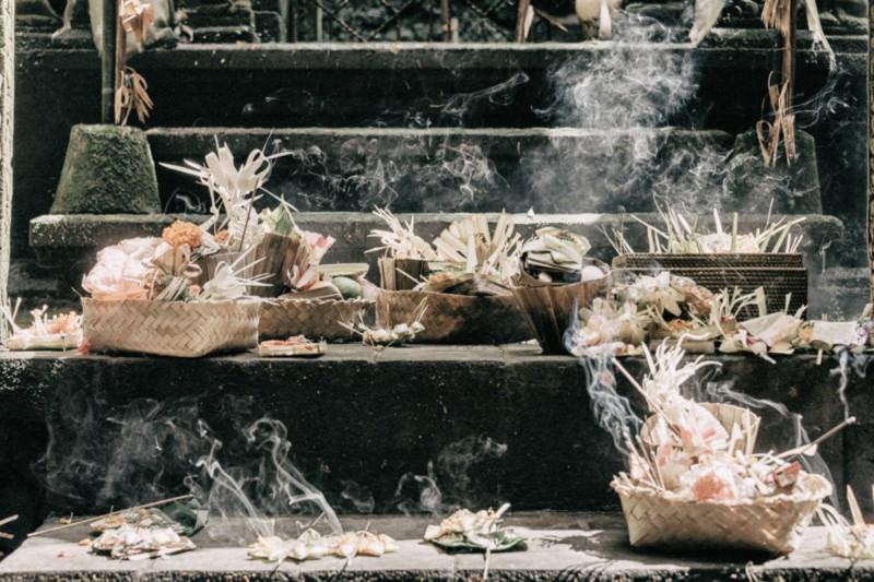 Banten Otonan Bali