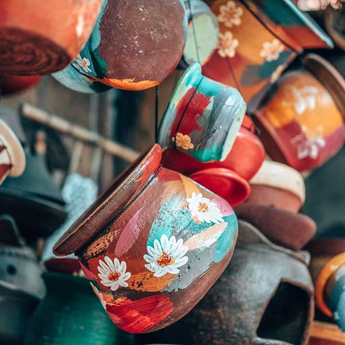 Gerabah Warna Warni di Serayu Pot & Terracota Ubud