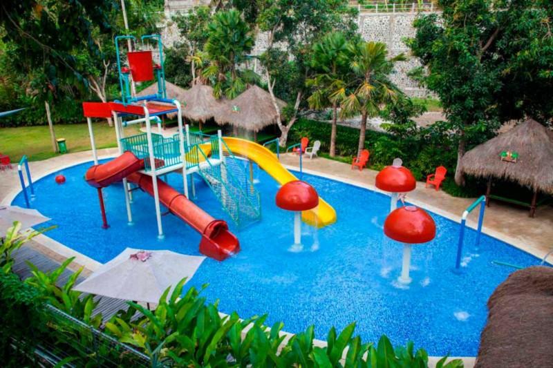 Jungle Splash Waterplay Di Bali Zoo Park