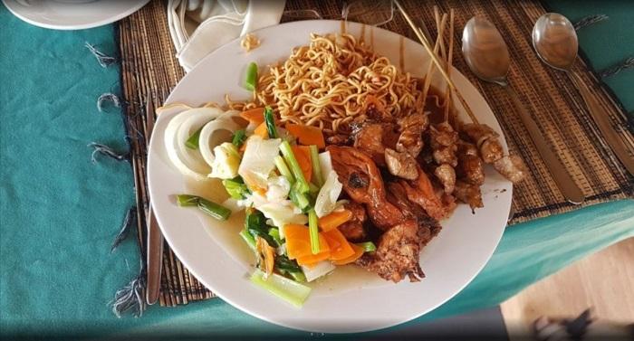 Masakan Indonesia Di Restoran Mahagiri Panoramic