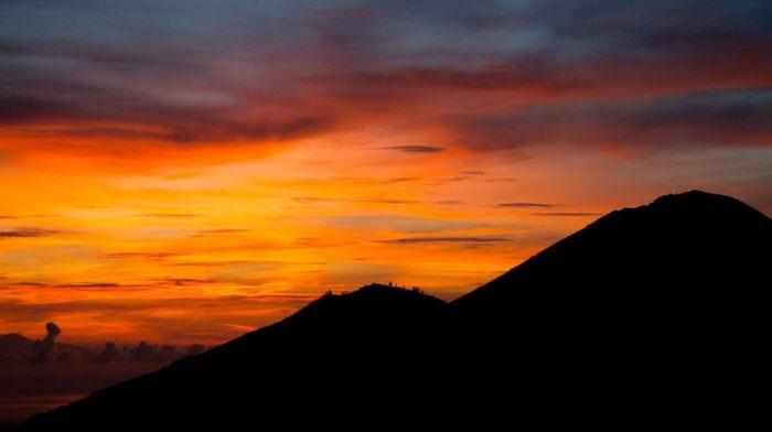 Panorama Mempesona Pagi Hari Di Gunung Batur
