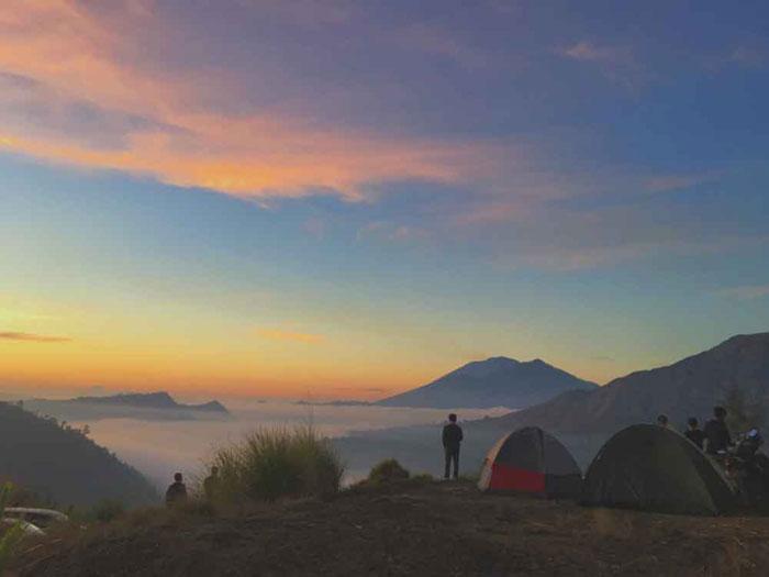 Pemandangan Pagi dari Gunung Batur