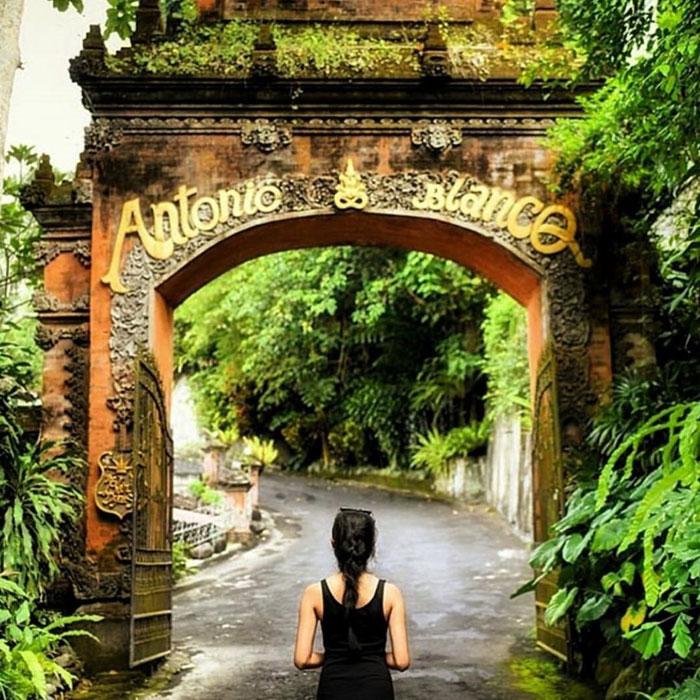 Pintu Masuk Museum Blanco Ubud