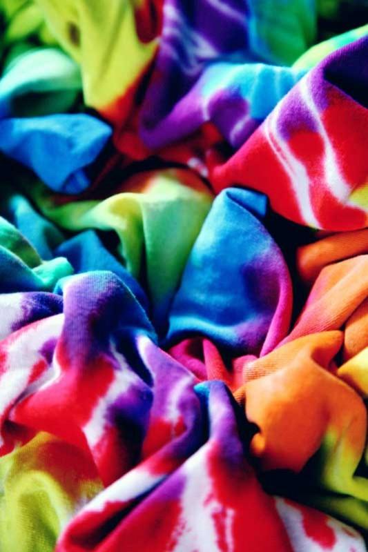 Proses Pewarnaan Motif Tie Dye