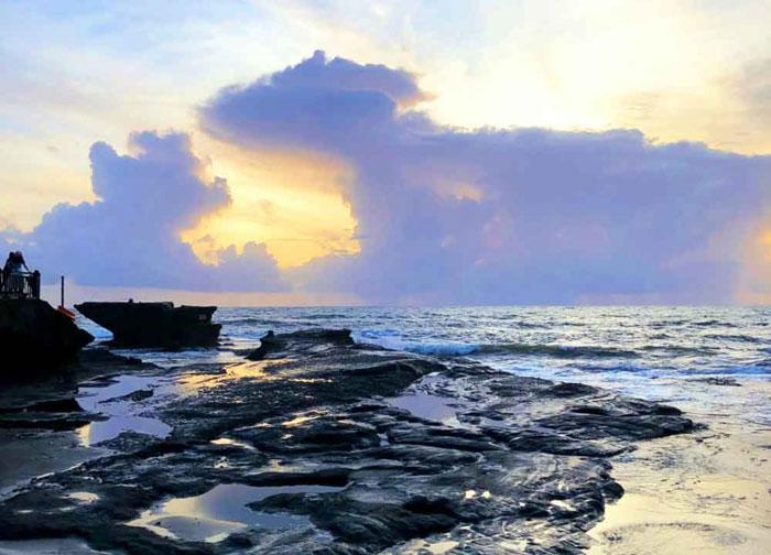 Sore Hari Di Tanah Lot Bali