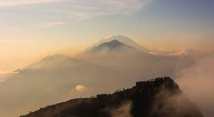 Suasana Gunung Batur di Pagi Hari