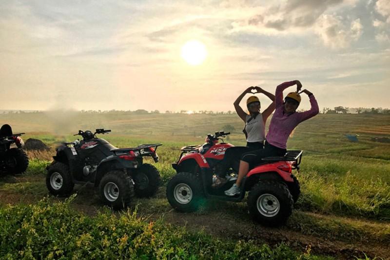Trek Pedesaan Di ATV Pantai Bali