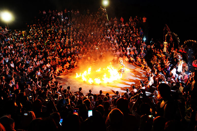 Things You Must Know About Uluwatu Temple Kecak Dance Story