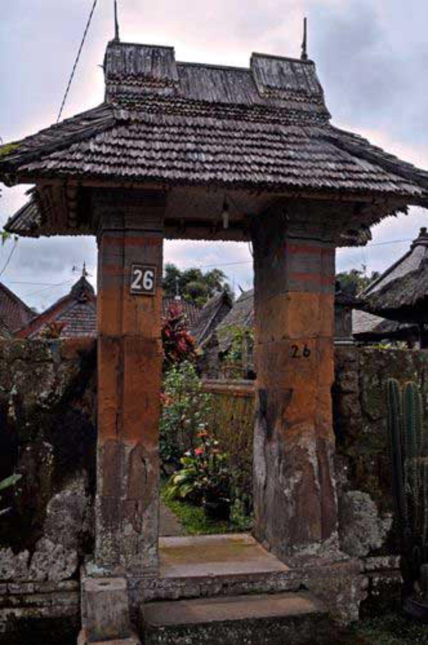 Angkul Angkul Tradisional Bali